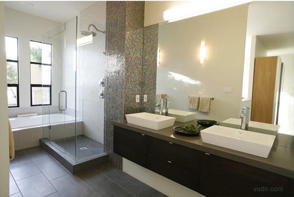财经资讯_Kelly Deck设计的海滨住宅浴室设计 - 视觉同盟(VisionUnion.com)