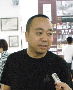 清华大学美术学院视觉传达设计系王红卫教授专访