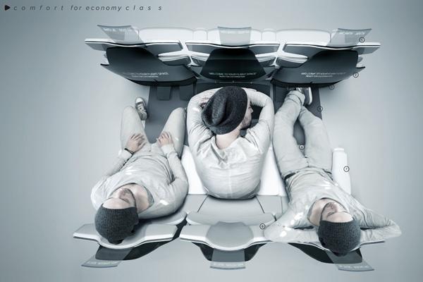 如果飞机票能够报销或者手里的钱充裕,没有人会喜欢坐经济舱,因为它非常拥挤的布局让人感觉很不舒服。为了让经济舱的乘客享受更好的乘坐体验,Jan Meissner重新设计了经济舱的座椅。根据人的身体结构,设计的尺寸和形状能够让人坐上去非常的舒适,同时它的开放式布局能够让人感觉非常的宽敞,就好像坐在商务舱和头等舱一样。集成了现代的高科技设备和结合,能够让头等舱的乘客都为之嫉妒。